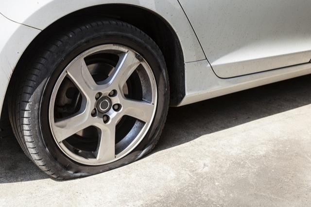 flat tire dangers